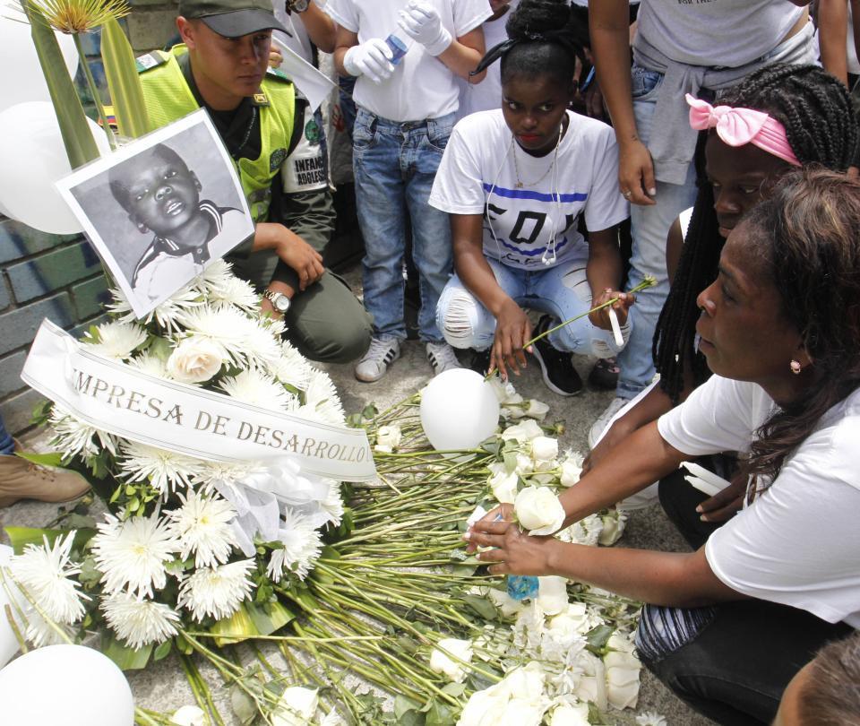 El sentido adiós a los dos niños asesinados en Medellín