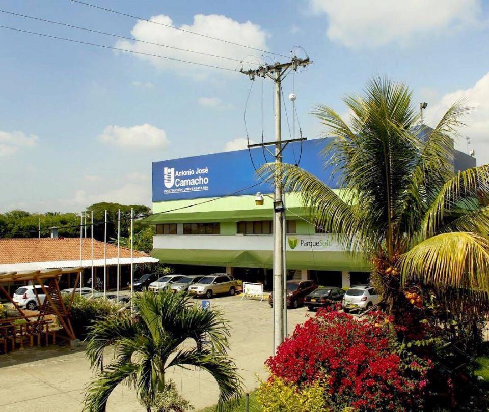 Sicario asesinó a joven en el parqueadero de una universidad caleña
