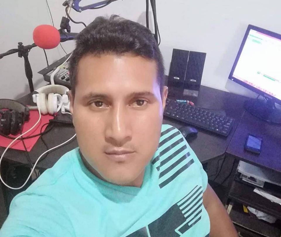 En la cabina de emisora comunitaria asesinan a periodista en Tumaco