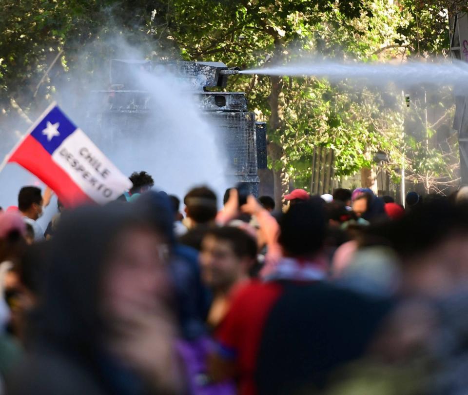 Chile reducirá a la mitad los sueldos de los congresistas