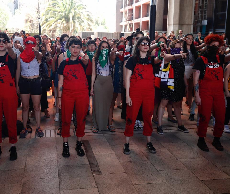 'Revolución feminista es la más necesaria de la historia': Las Tesis