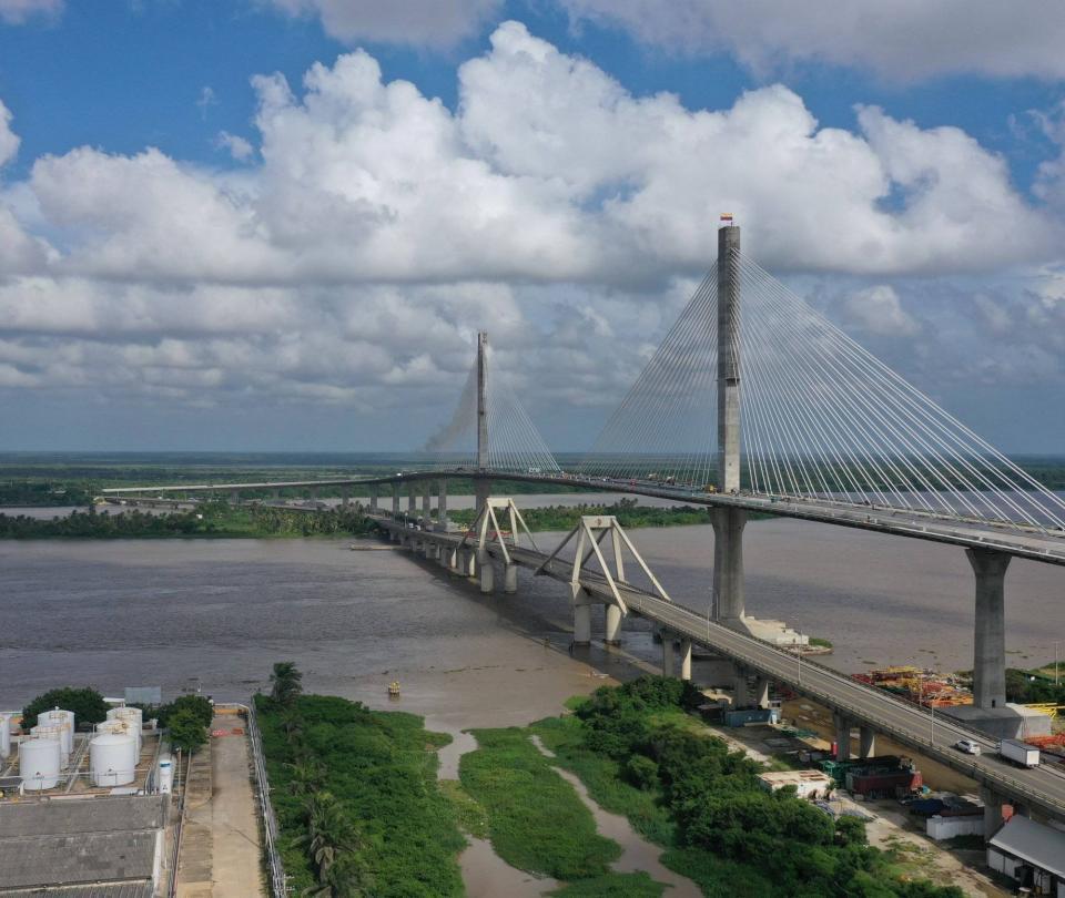 Así se ve el imponente puente Pumarejo sobre el río Magdalena