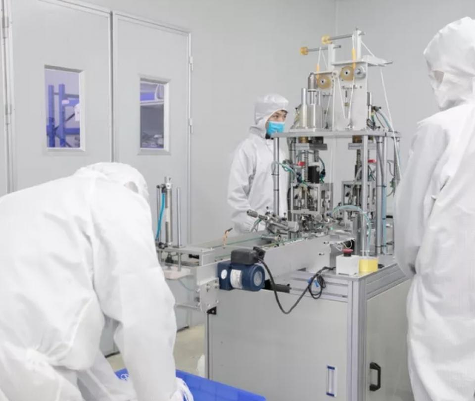 Coronavirus: Fábrica de iPhone en China empezó a producir tapabocas