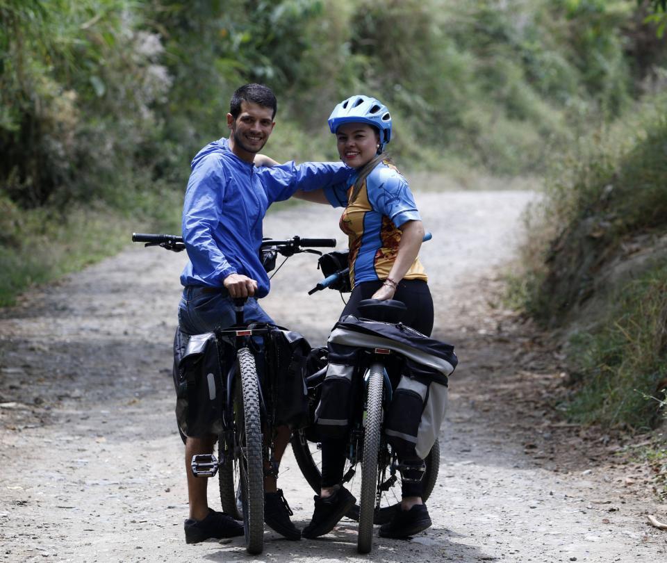 Esposos manizaleños irán en bicicleta hasta 'el fin del mundo'