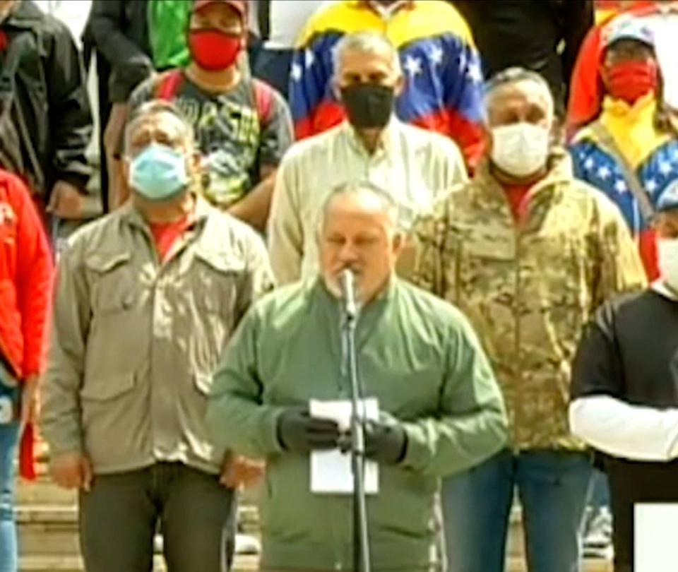 Venezuela dice que frustró invasión por mar desde Colombia