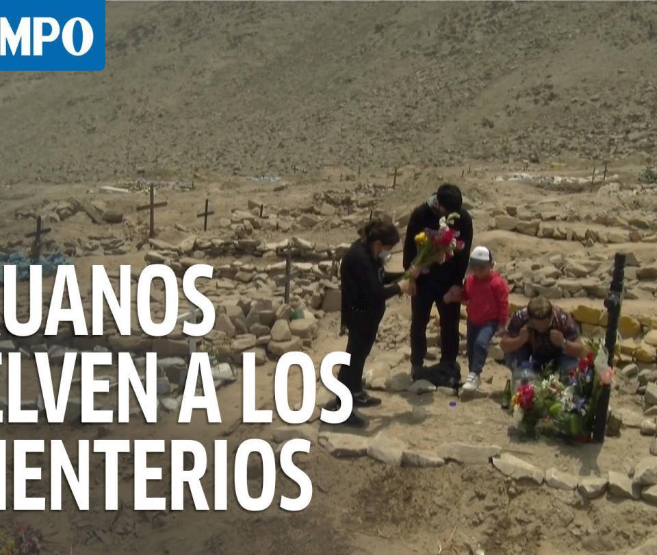 Peruanos vuelven a los cementerios para visitar familiares