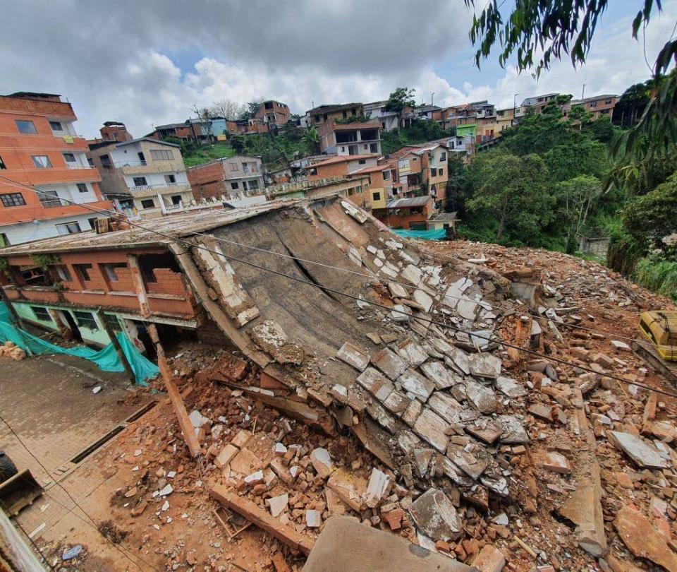 Un muerto y un herido dejó colapso de techo en pueblo de Antioquia