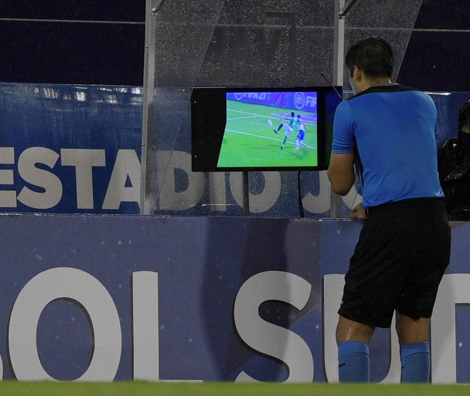 El VAR, centro de polémica en la derrota de Cali contra Vélez