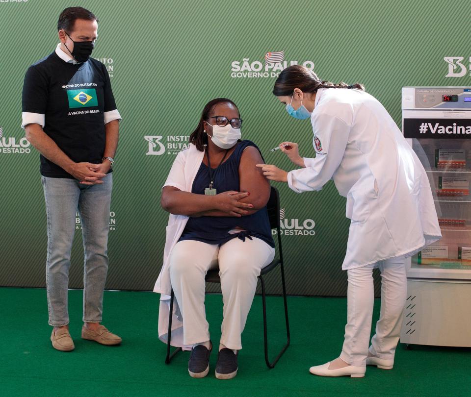 ¿Por qué Sao Paulo se adelantó a vacunación contra el covid en Brasil?