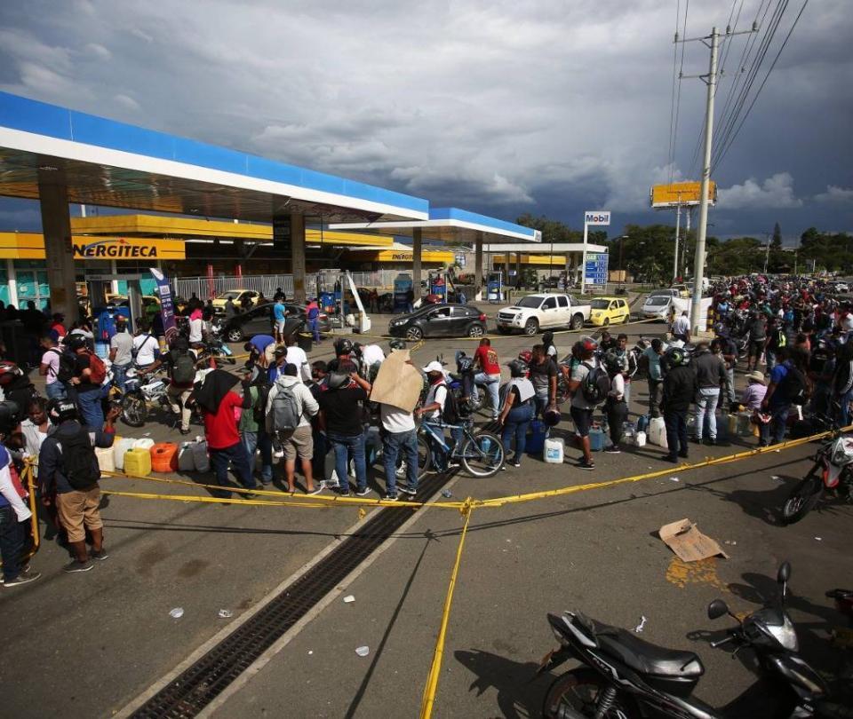 Estos son los bloqueos y gasolineras de hoy en Cali