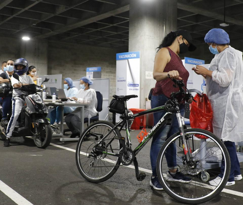 Mayores de 45 años ya pueden vacunarse sin cita en Medellín