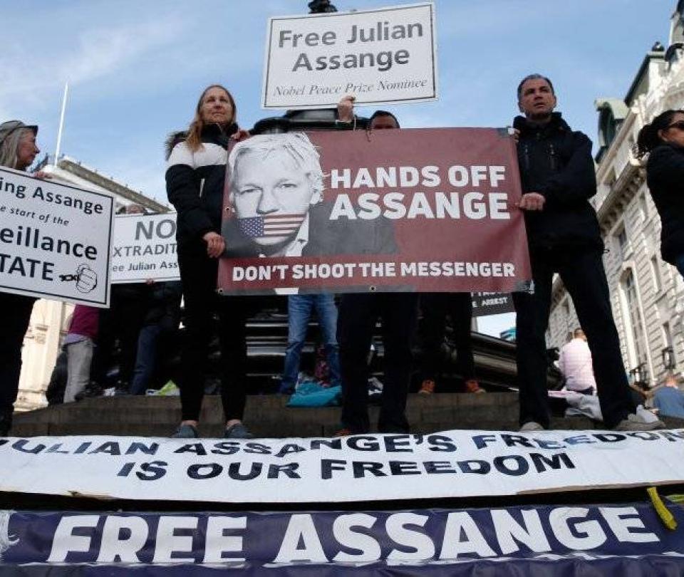 Por qué la Justicia de Ecuador le quitó la ciudadanía a Julian Assange
