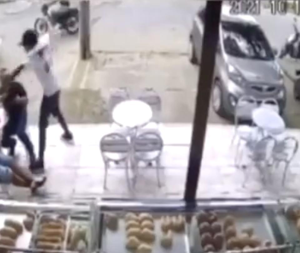Dos atracadores mueren luego de que víctima les disparara