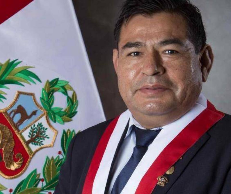 Muere congresista de Perú durante debate de voto de investidura de Gobierno