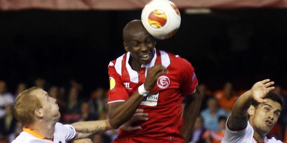 Qué efectos tienen los cabezazos en el fútbol - Salud - Vida ... d333c6254ca86