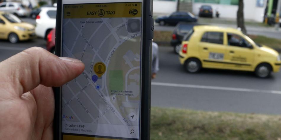 Supertransporte sancionó a las plataformas Easy Taxi y Smart Taxi