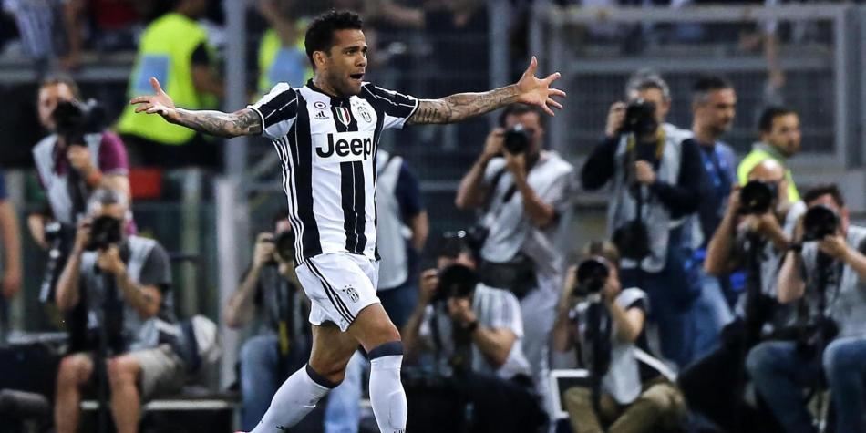 La Juventus firma a Danilo y pagará 20 millones de euros