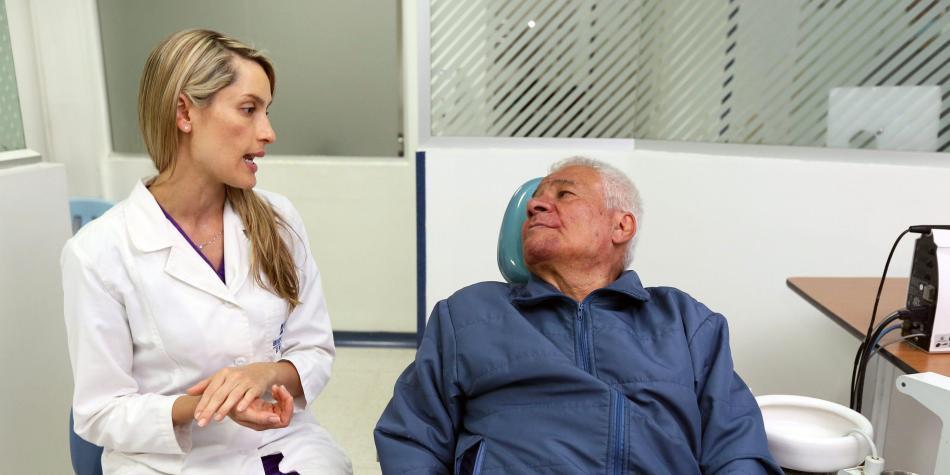 Resultado de imagen para 463 adultos mayores le regalan una nueva sonrisa a la vida