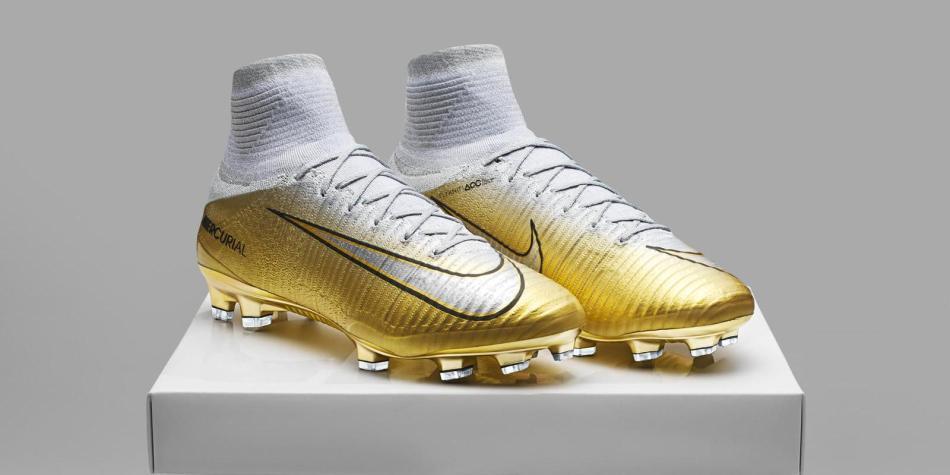 Nuevos guayos de Cristiano Ronaldo quinto Balón de Oro - Fútbol ... 8c07a7137acb8