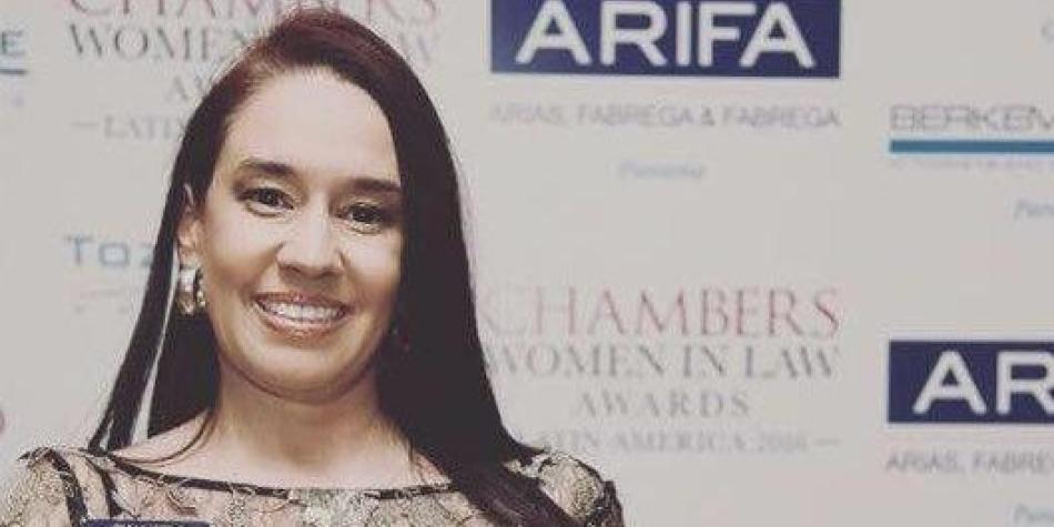 Colombiana gana prestigioso premio a 'Mejor abogada' de Latinoamérica