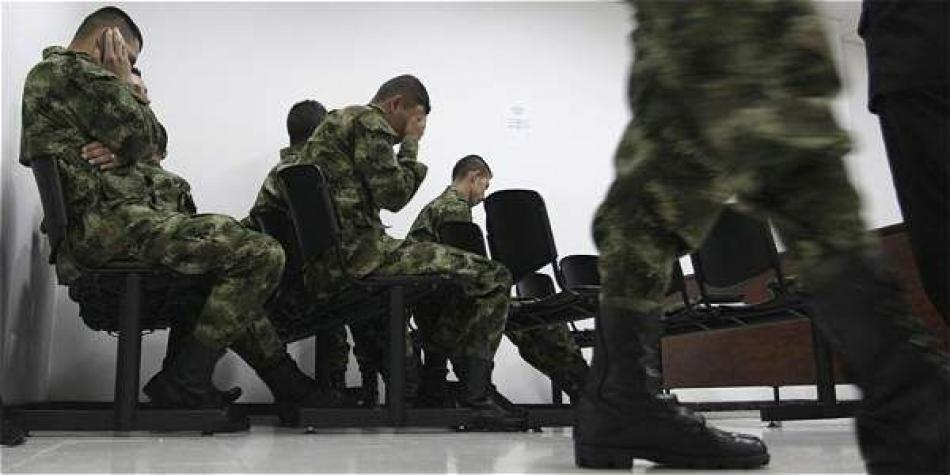 Otorgan libertad condicional a dos militares por la JEP