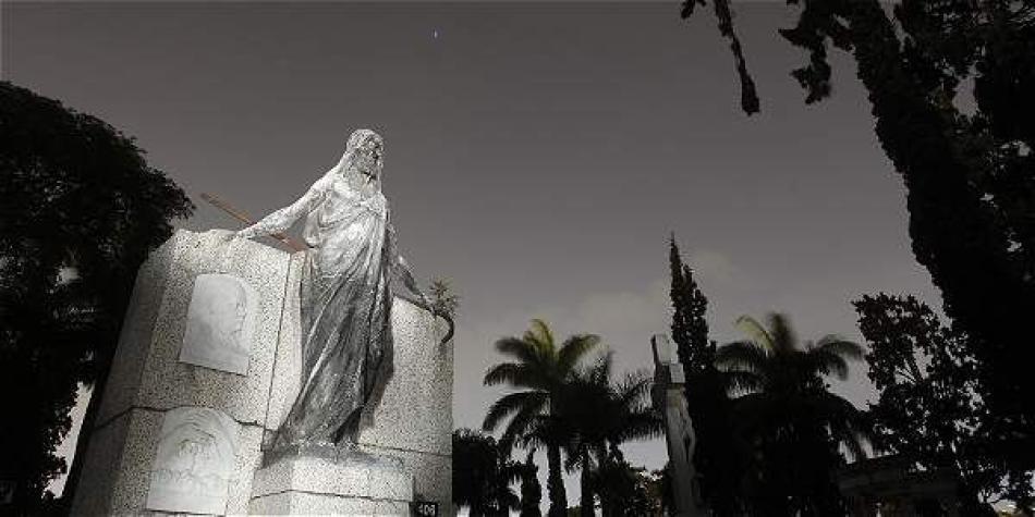 SIC sanciona a siete funerarias por infringir derechos de consumidores
