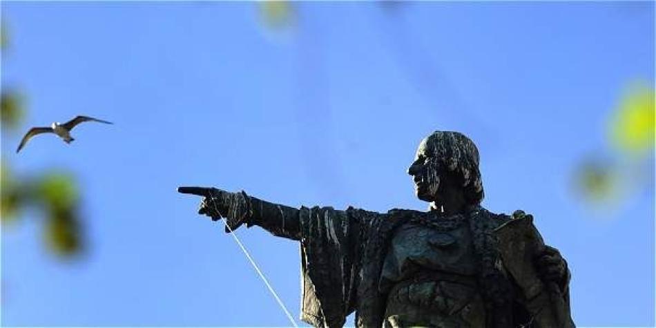 Estatua De Cristobal Colon De Barcelona Europa Internacional