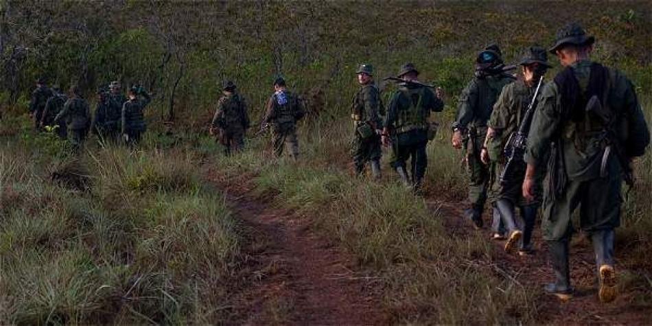 Unos 117 presuntos disidentes de las FARC se entregan al Ejército colombiano