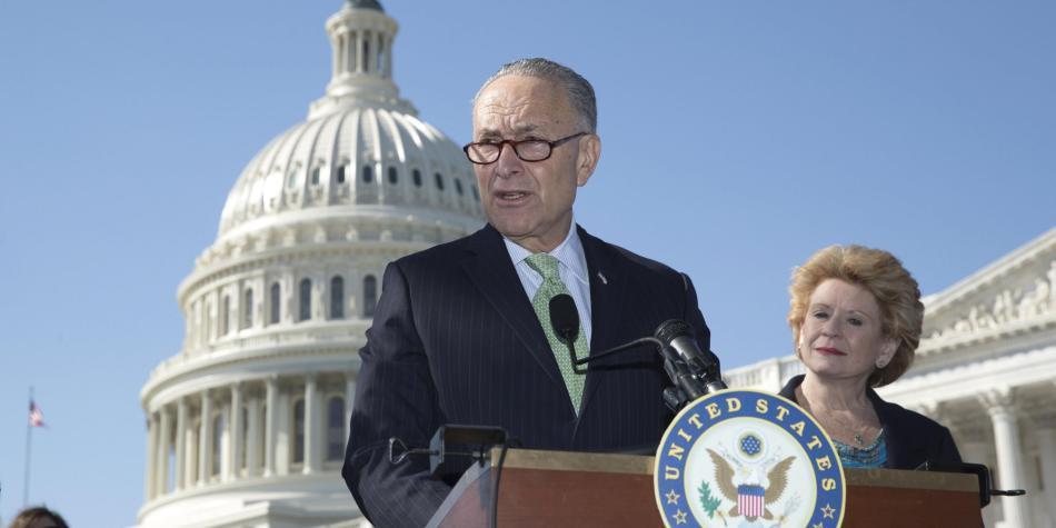 Demócratas del Senado amenazan con paralizar al gobierno de EUA