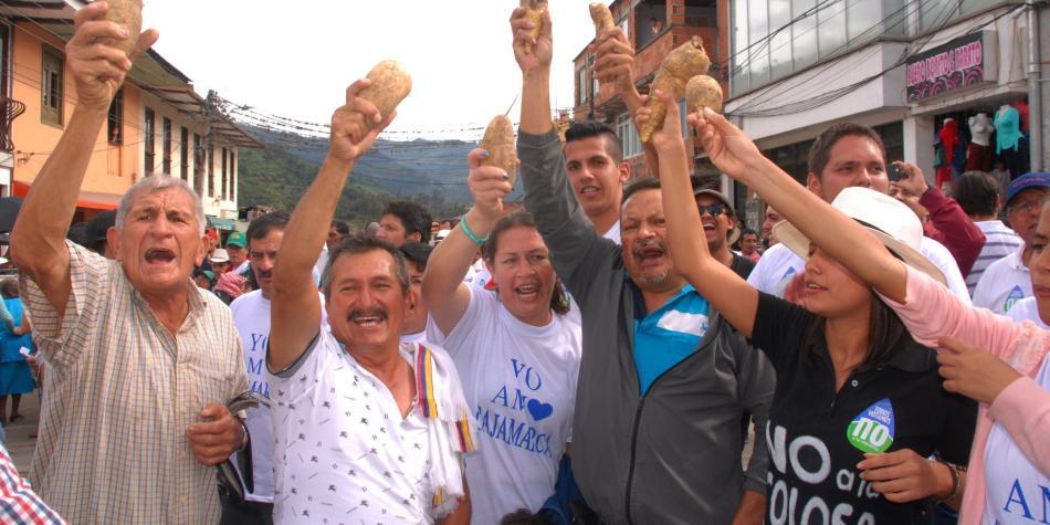AngloGold Ashanti suspende trabajos mineros en La Colosa, Cajamarca