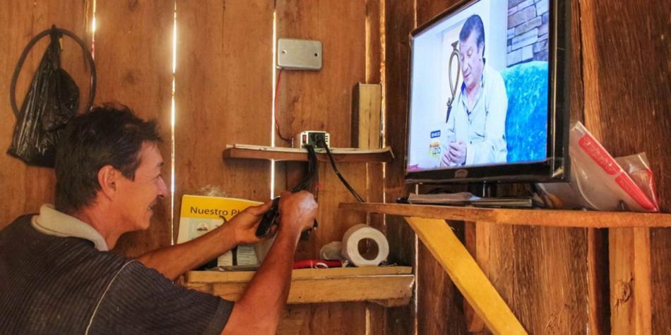 400 hogares más con electricidad