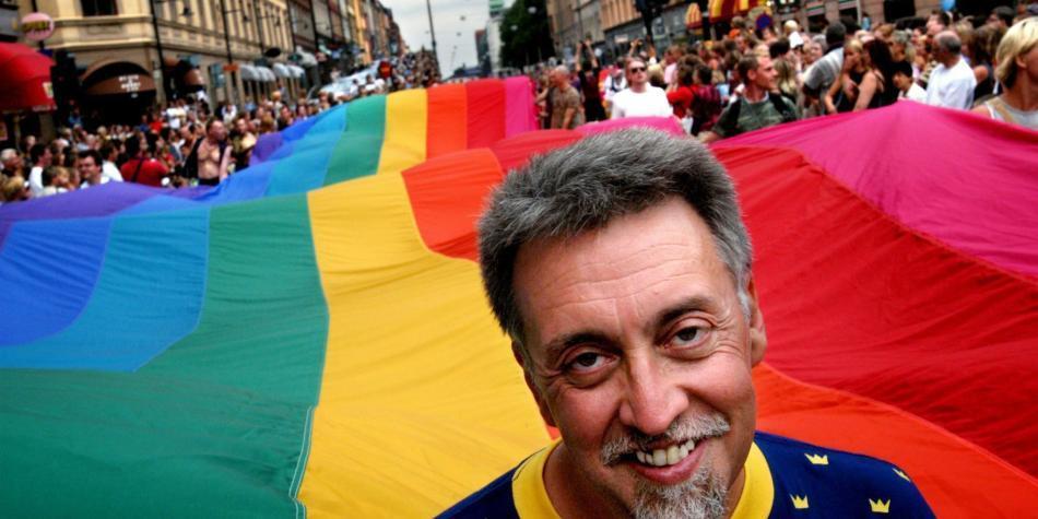 Muere Gilbert Baker, inventor de la bandera arcoíris