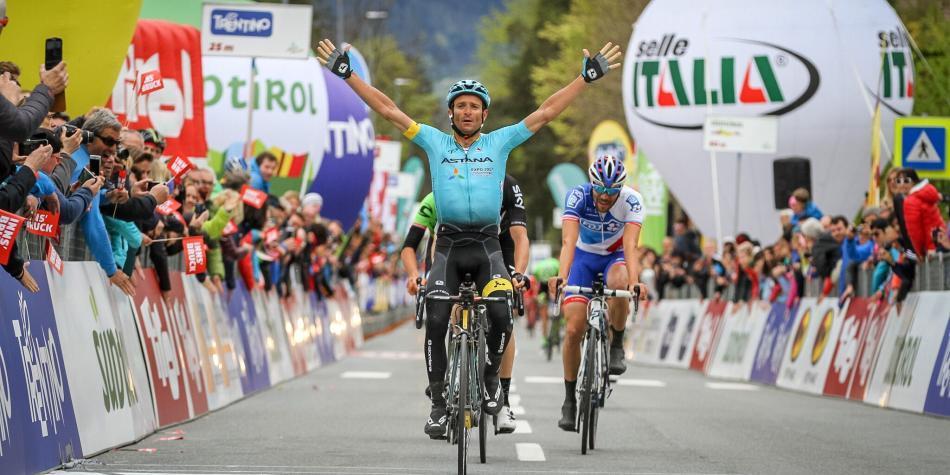 Muere el ciclista italiano Michele Scarponi atropellado durante un entreno