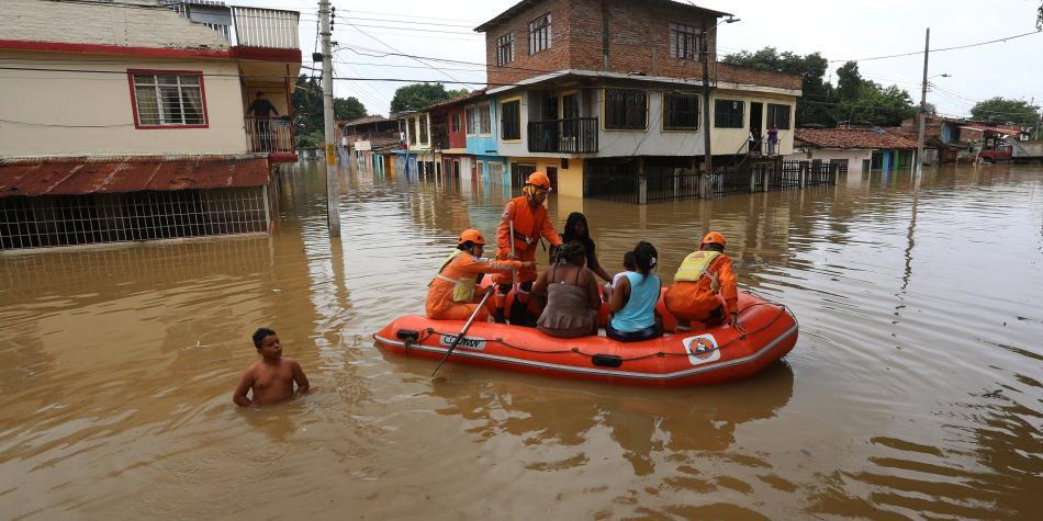 Cincuenta municipios de Colombia en alerta por lluvias que caerán hasta junio