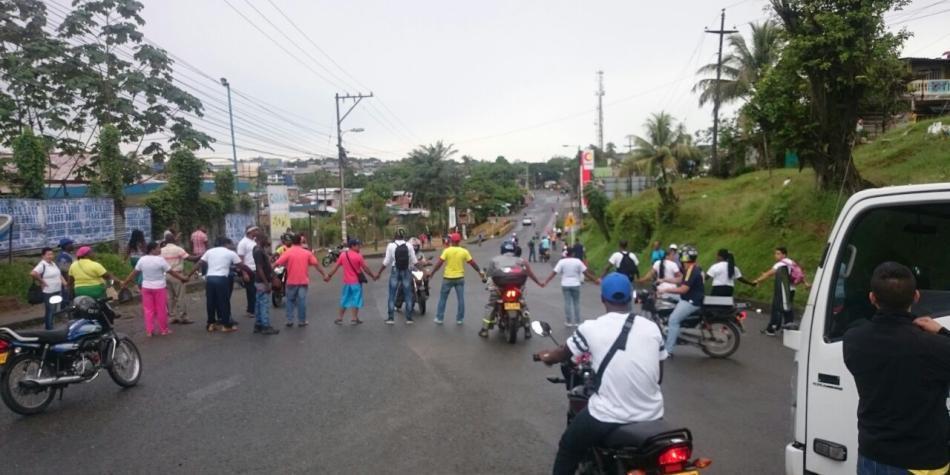 Al menos 10 policías resultaron heridos durante los disturbios en Buenaventura