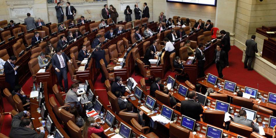 Ausentistas retrasaron proyecto que castiga inasistencia en Congreso