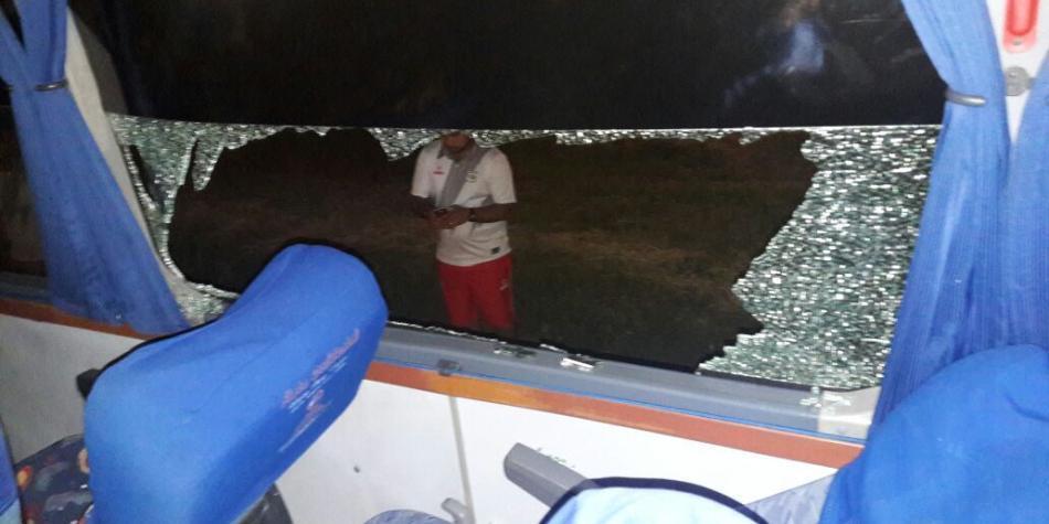 Un jugador lesionado deja ataque con piedras al bus del Deportes Quindío