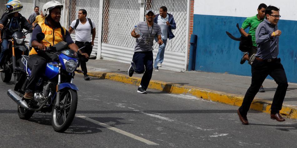 VENEZUELA: Colombia rechazó agresiones a diputados Pizarro y Requesens (+Comunicado) - Caraota Digital