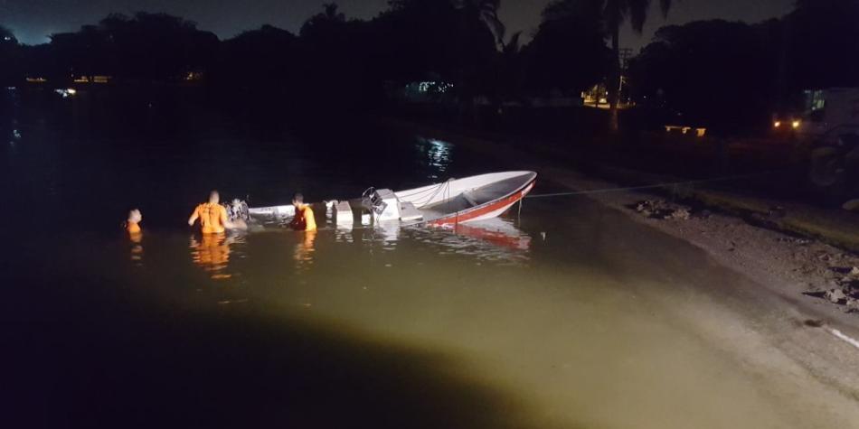 Dos personas se encuentran desaparecidas luego de colisión de lancha en Cartagena