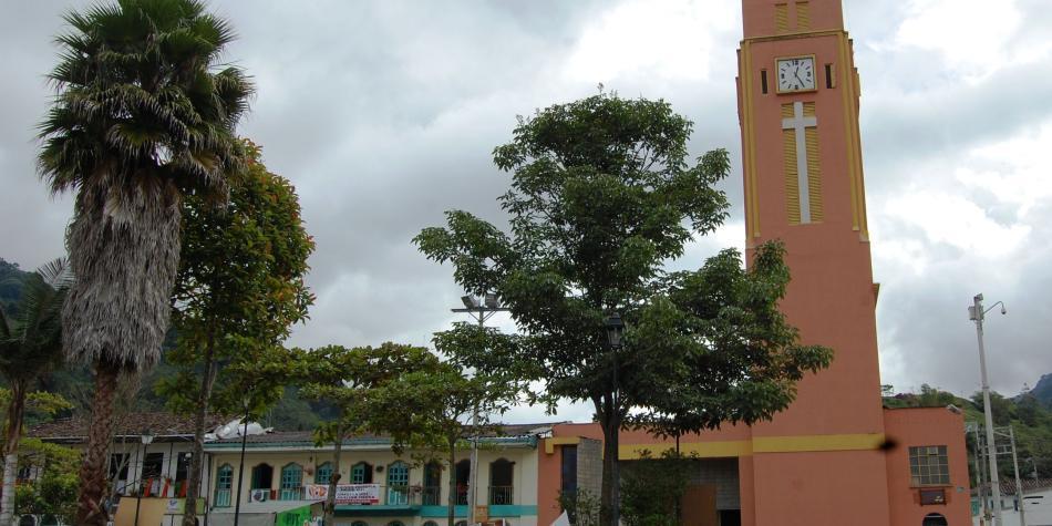 Se agrava situación de la carretera a Pijao, Quindío, por el invierno