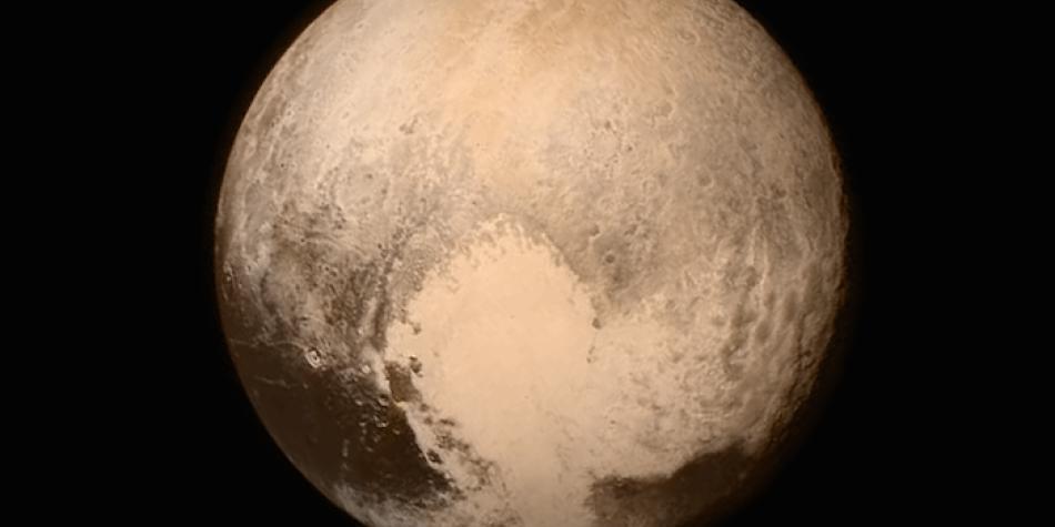 Un gas permitiría la existencia de un océano interior en Plutón