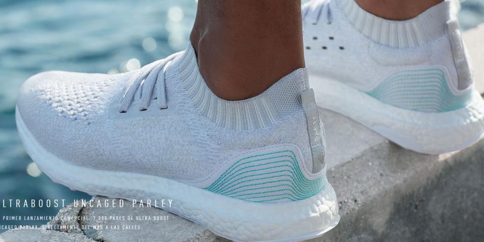 15ad3bf0986 Zapatillas hechas con botellas de plástico - Medio Ambiente - Vida ...