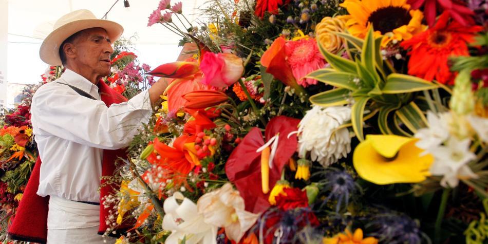 Desfile De Silleteros En La Feria De Las Flores De Medellín