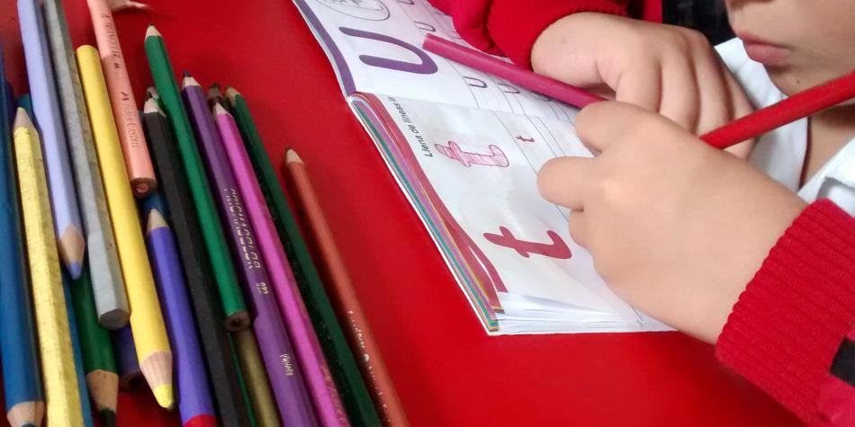 Niños ciegos aprenden con colores