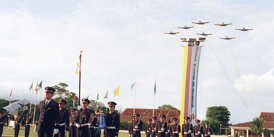 Escuela Militar de Aviación (Emavi) busca acreditación de alta ...