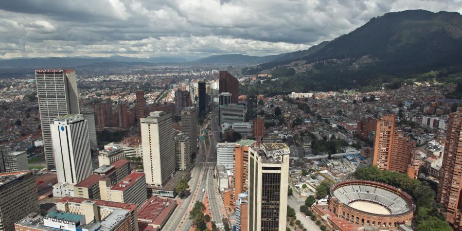 ¿Es más adecuado decir 'Bogotá, mejor para todos y todas'?