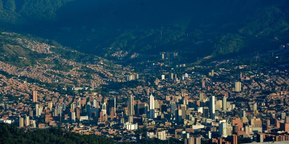 9fe07dff8251 Expansión urbana de ciudades de Colombia en los últimos 20 años ...