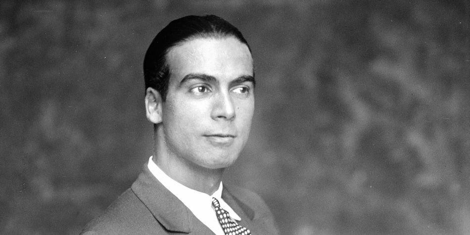Perfil de Cristóbal Balenciaga, diseñador de moda español