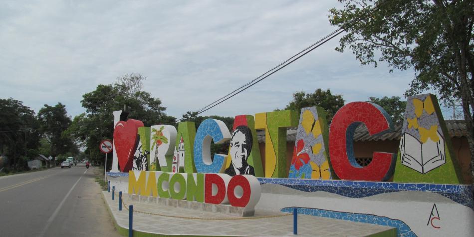 Letrero Aracataca Macondo