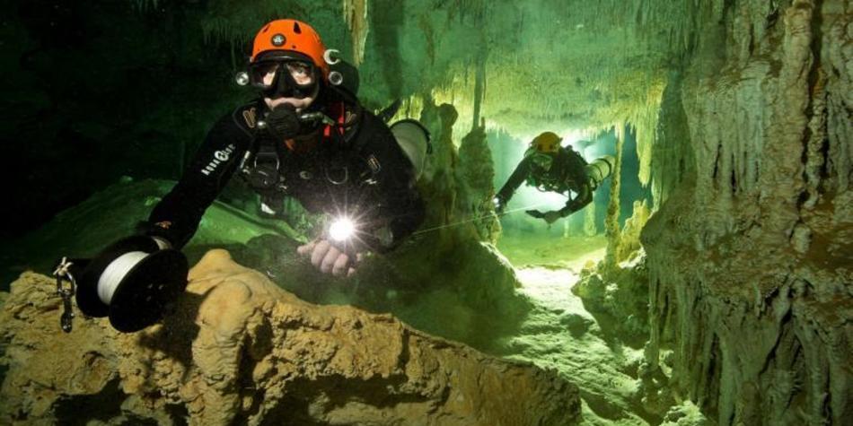 La mayor cueva subacuática del mundo. Carthago Servicios Técnicos.